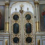 Ilomantsin ortodoksisen kirkon ikonostaasi ja ulkopuoliset risti